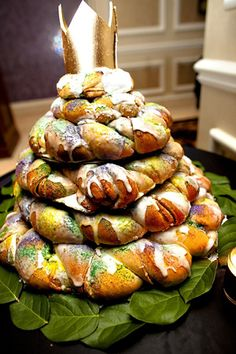 Southern Delicacy: New Orleans' King Cake « Southern Weddings Magazine. #ClassicallyNewOrleans