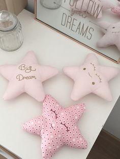 Ensemble coussins étoiles rose clair doré par Sweethingsandco - 19€
