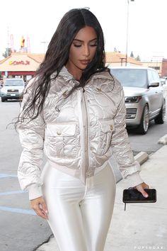 kim kardashian style Kim Kardashian's Iridescent Leggings Are So Figure-Hugging, I Wonder How Long It Took to Squeeze Into 'Em Robert Kardashian, Khloe Kardashian, Estilo Kardashian, Kardashian Kollection, Kardashian Fashion, Kim Kardashian Clothes, Kim Kardashian Figure, Kendall Jenner Outfits, Looks Kylie Jenner