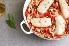Italian Style Halibut with Sage. One Skillet Dinner of Halibut Sage Recipes, Kosher Recipes, Cooking Recipes, Healthy Recipes, Kosher Food, Halibut Recipes, Fish Recipes, Seafood Recipes, Recipies