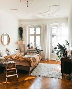 ★@coolgirlvibezz★ Cozy Bedroom, Dream Bedroom, Bedroom Inspo, Bedroom Decor, Tv In Bedroom, Room Goals, Dream Apartment, Studio Apartment, Trim Carpentry