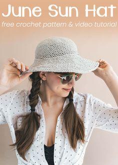Crochet this sun hat for some nice shade while you're at the beach! #crochet #sunhat #beginner #freepattern #beachhat #diy #crochethat