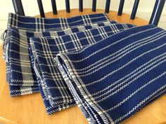 Set of four cottolin hand towels. Note the zig-zag effect on the first one. Hand Towels, Tea Towels, Dish Towels, Weaving Patterns, Knitting Patterns, Loom Weaving, Hand Weaving, Weaving Projects, Hand Spinning