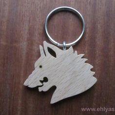 Porte-clés en bois de hêtre loup grondant en chantournage
