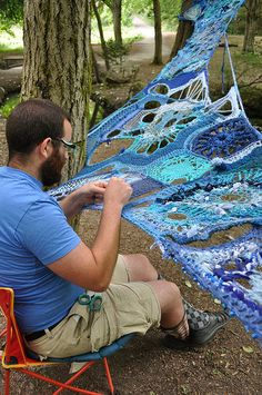 installing Mater Matrix Mother and Medium, 2009, artwork crocheted by Mandy Greer