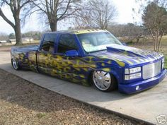 Showin' some bagged Dually L. Bagged Trucks, Dually Trucks, Chevy Pickup Trucks, Mini Trucks, Chevy Pickups, Cool Trucks, Silverado Truck, Silverado 3500, Dodge Dually
