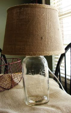40 Easy Things To Do With Mason Jars, Make a Table Lamp