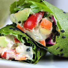 Who doesn't love a wrap? We do! These zucchini wraps are full of flavor, raw, vegan and nutritious! A great summer recipe for your lunch or dinner table.