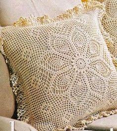 Almohadón con diseño muy delicado, una belleza para decorar un sofá y darle calidez a tu rincón preferido