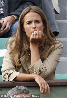 Kim Sears cheers new husband Andy Murray at French Open   Daily Mail Online