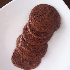 INSTAGRAM @tatagnecco | Desayuno para activar el metabolismo!! Pancakes salvado d avena y cacao!! SIN AZUCAR NI HARINA Para 10 pancakes peq. Mezcla 1cda de salvado de avena,1cda de cacao sin azucar(cadbury's,Chocolyne),1 sobre de stevia, 2 claras de huevo, 1 cda de queso descremado o cottage