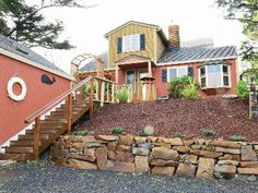 VRBO.com #331372 - The Most Charming Original 1930's Beach Cottage - Ocean Front!