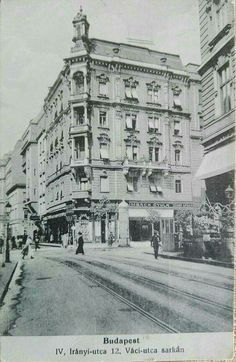 1914. Irányi utca Old Pictures, Old Photos, Vintage Photos, Vintage Architecture, Budapest Hungary, Vintage Photography, Rotterdam, Historical Photos, The Past