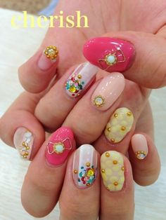 Cute Pink Yellow White Flower Daisies 3D Japanese Nail Art Sparkle Bow Rhinestone Manicure
