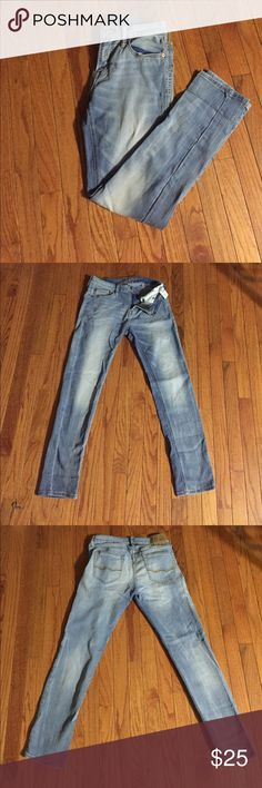 American Eagle Jeans Lightly worn Skinny American Eagle Jeans size 30x30 (Style 3589) American Eagle Outfitters Jeans Skinny