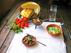 LAS RECETAS DE MAMA ROSA: Riñones guisados y pan casero Rica Rica, Carne, Ethnic Recipes, Food, Crock Pot, Meals, Exercise, Homemade, Essen