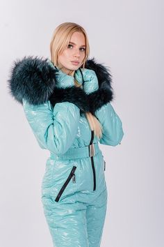 Puffer Jackets, Winter Jackets, Down Suit, Winter Suit, Womens Wetsuit, Moon Boots, Moncler, Winter Outfits, Cool Style