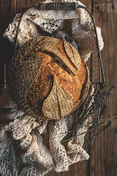 Coconut sourdough bread, made with coconut water, grated coconut, bread flour and rimacinata. Sourdough Recipes, Sourdough Bread, Bread Recipes, My Daily Bread, Spoon Bread, Pain Au Levain, Dark Food Photography, Sweet Bakery, Artisan Bread