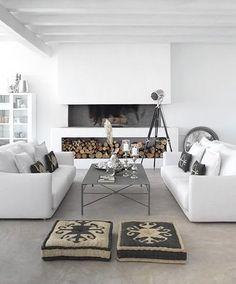 Fireplace and white interior design design Living Room Interior, Home Living Room, Living Spaces, White Rooms, White Decor, Interiores Design, Feng Shui, Interior Architecture, Modern Interior