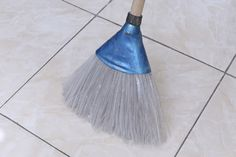 Broom made from recyclable plastic bottle Plastic Bottles, Recycling, Orice, Health Tips, Repurpose, Upcycle