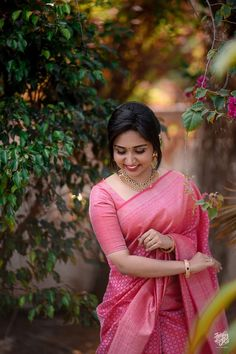 The elegant and delicate onion pink sarees! Christian Wedding Sarees, Christian Bride, Saree Wedding, Christian Weddings, Kerala Engagement Dress, Engagement Saree, Bridal Sarees South Indian, Bridesmaid Saree, Bridesmaids