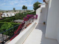 Costa Blanca Property Sales: Villa for sale in Benitachell - Communal pool