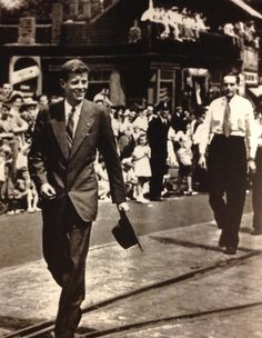 Young John F. KENNEDY at the 1946 Bunker Hill Day parade in Charlestown, Massachusetts.