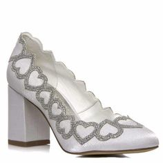 56002dfcfc Sapato Boneca Noiva Corações Salto Confortável - 2300 521