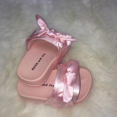 Satin Bow Sliders available to orderhttps://www.dollymixboutique.com/girls/girls-holiday-collection/satin-bow-sliders.html sizes UK Infant 3 onwards #cute #sliders #satinsliders #babysliders #matchingmummy #mum #mom #mummy #mommy #dad #daddy
