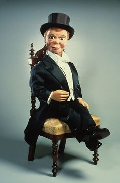 Charlie McCarthy Puppet, c. 1922 via Siqueira Spencer Museum of American History, Smithsonian Charlie Mccarthy, Ventriloquist Dummy, Mc Carthy, Punch And Judy, Night At The Museum, Arte Horror, Old Toys, National Museum, Vintage Photographs