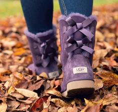 UGG Australia: Better with a bow.