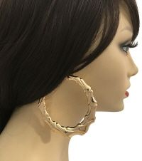 Pinktown is one of the largest Midwest wholesale jewelry and wholesale accessories distributor servicing trendy retailers,stylist, designers with trendy styles. Gold Hoops, Gold Hoop Earrings, Wholesale Jewelry, Trendy Fashion, Bamboo, Stylists, Accessories, Style, Swag