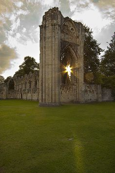 St Marys Abbey ruins in sunset, York, England. The Abbey of St Mary is a ruined Benedictine abbey in York, England and a Grade I listed building. Yorkshire England, Yorkshire Dales, North Yorkshire, Visit Yorkshire, York England, London England, Beautiful Ruins, Northern England, Old Churches