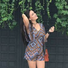 Que tal arrasar neste verão com um lindo macaquinho estampado? O modelo fica perfeito no corpo e promete te deixar super estilosa! ❤️Onde encontrar: Mary Modas (Rua Rio de Janeiro, 882 - Loja 9 - Centro) #feirashop #lindadefeirashop #moda #modabh #modamineira #modaparameninas #Look #lookdodia #trend #tendencia #style #estilo #fashion #macaquinho #estampa #verao #bh