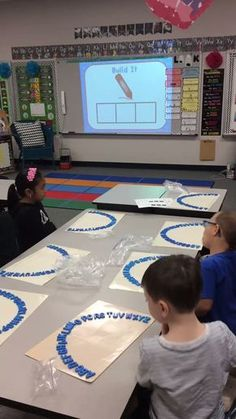 Building CVC Words from an Alphabet Arch is a good way to connect the Smart board with a hands on activity. Kindergarten Language Arts, Kindergarten Writing, Kindergarten Classroom, Teaching Reading, Guided Reading, Classroom Ideas, Phonics Activities, Kindergarten Activities, Preschool