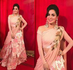 Shradha At Zee Cine Awards designer lehenga choli, party wear lehenga choli Indian Wedding Gowns, Indian Gowns Dresses, Wedding Dresses, Formal Dresses, Designer Party Wear Dresses, Indian Designer Outfits, Indian Outfits Modern, Stylish Dresses, Fashion Dresses