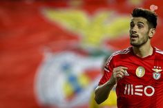 Benfica já tem a totalidade do passe de Pizzi :: zerozero.pt Baseball Cards, Sports, Fictional Characters, Football Memes, Backgrounds, Step By Step, News, Hs Sports, Fantasy Characters
