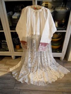 ANTIQUE FRENCH ROCHET LACE  EMBROIDERY 19TH-CENTURY  RELIGIOUS PRIEST CHURCH
