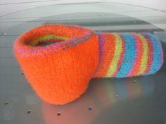 Garngurus strikking og hekling: Oppskrift på ØL VOTT Chain Stitch, Twists, Crochet Pattern, Knitted Hats, Beanie, Knitting, Threading, Chunky Twists, Knit Hats