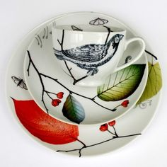 Colourful, quirky bespoke mosaics and ceramics. I love her back-to-nature tableware. China Painting, Ceramic Painting, Ceramic Art, Ceramic Tableware, Ceramic Pottery, Painted Plates, China Patterns, Beautiful Birds, Decoration