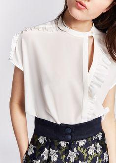 Kurta Designs, Blouse Designs, Vogue Fashion, Fashion Brand, Sewing Blouses, Fashion Details, Fashion Design, Fashion Project, Blouse Styles