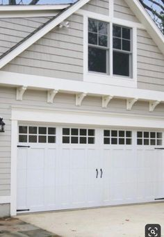 This amazing garage door trim is genuinely a superb design conception. Garage Door Trim, Double Garage Door, Garage Door Styles, Garage Door Design, Exterior Color Schemes, Exterior Paint Colors, Exterior House Colors, Paint Colors For Home, Building A Garage