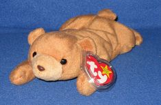 From the hot phenomena of the to the still popular plush toys, Beanie Babies still have fans and collectors. Here are some resources and facts. Beanie Babies Value, Beanie Baby Bears, Ty Beanie Boos, Beanie Baby Collectors, Cute Images, Plushies, Fun Facts, Beanies, Teddy Bear