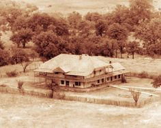 Quanah Parker's two-story Star House near Cache, Oklahoma, Date Comanche Indians, Plains Indians, Cowboys And Indians, Native American Images, Native American History, Native American Indians, Native Americans, Quanah Parker, Old West