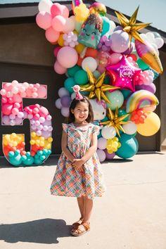 Summer Birthday, 3rd Birthday Parties, Birthday Diy, Colorful Birthday, Birthday Ideas, Happy Birthday Yard Signs, Happy Birthday Balloons, 5 Balloons, Balloon Decorations