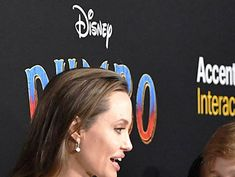 See photos of Shiloh Jolie-Pitt. Shiloh Jolie, Jolie Pitt, Brad And Angelina, Angelina Jolie, Los Angeles Usa, Oscar Winners, Hollywood Life, Brad Pitt, Old Pictures