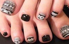 Diseños de uñas pinceladas manos y pies, diseño de uñas pinceladas pie.   #decoraciondeuñas #nailsdesign #uñasbonitas