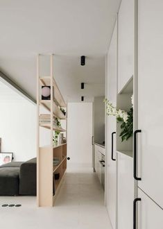 RGM 46 is an apartment renovation project located in Lisbon: with an area of roughly itis a duplex apartment with a small terrace on the. Küchen Design, Clean Design, Modern Design, House Design, Duplex Apartment, Apartment Renovation, Lisbon Apartment, Interior Desing, Interior Styling