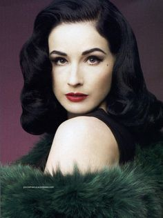 Dita Von Teese I want my hair like this everyday