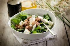 Salata de spanac cu ton si feta - Culinar.ro